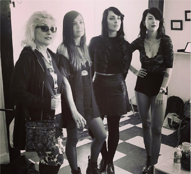 Dum dum girls pictures