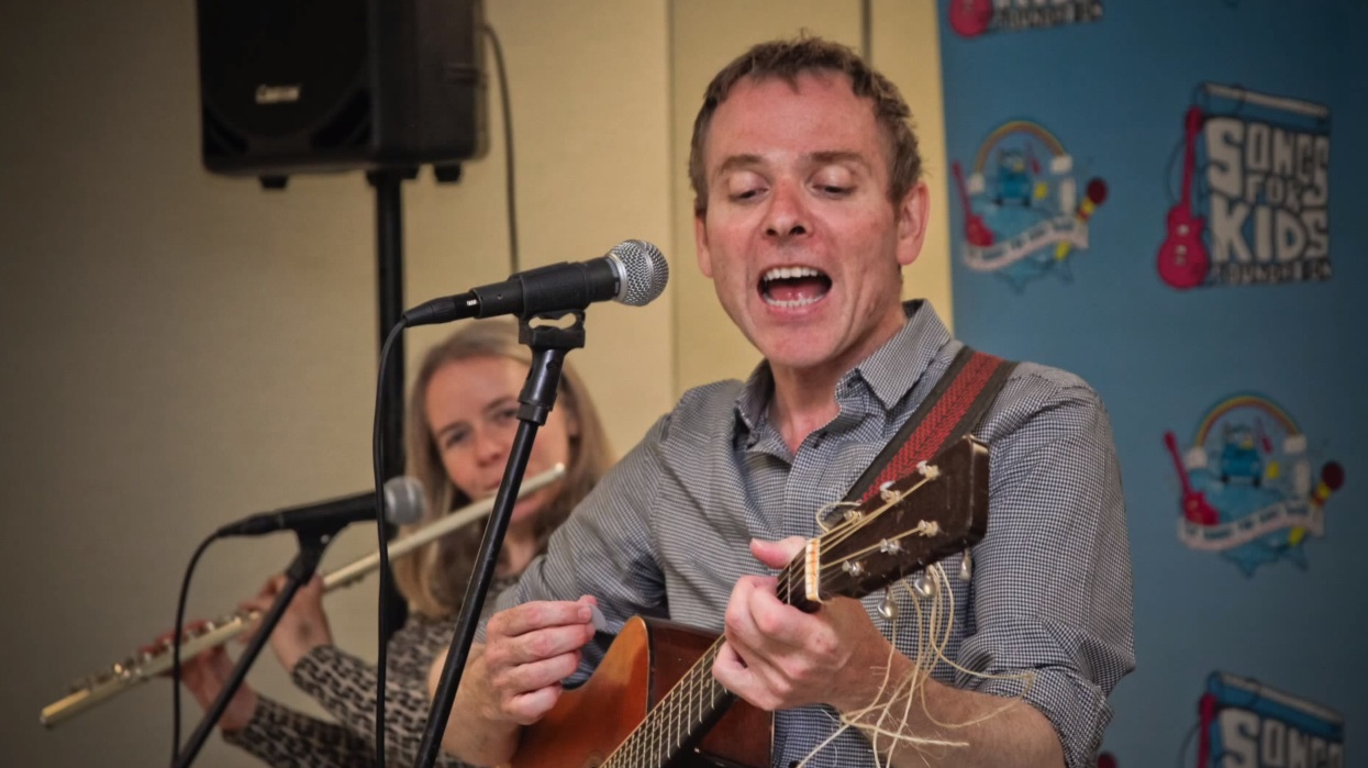 """Watch Belle & Sebastian Cover Journey's """"Don't Stop Believin'"""" At A Children's Hospital"""
