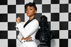 """Janelle Monáe – """"Heroes"""" (David Bowie Cover)"""