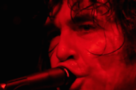 """Jon Spencer Blues Explosion – """"She's On It"""" (Beastie Boys Cover) + """"Jack The Ripper"""" (Link Wray Cover) Video"""
