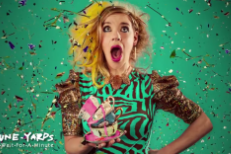 """tUnE-yArDs – """"Wait For A Minute"""""""