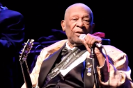 88-Year-Old Living Legend B.B. King Booed At Erratic St. Louis Gig