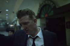 "Queens Of The Stone Age – ""Smooth Sailing"" Video"