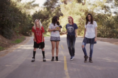"Warpaint – ""Disco // Very"" + ""Keep It Healthy"" Video"