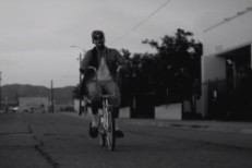 "2 Chainz – ""Trap Back"" Video"