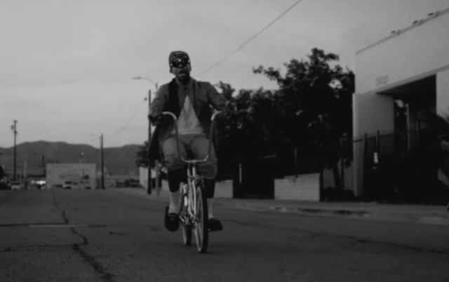 "2 Chainz - ""Trap Back"" video"