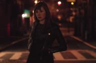 "Anna Calvi & David Byrne – ""Strange Weather"" Video"