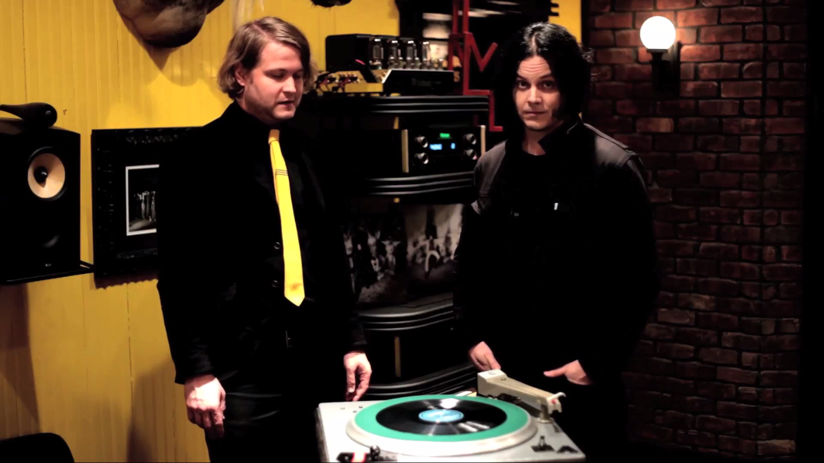 Jack White&#8217;s <em>Lazaretto</em> Ultra LP Has A Dozen Hot New Gimmicks!