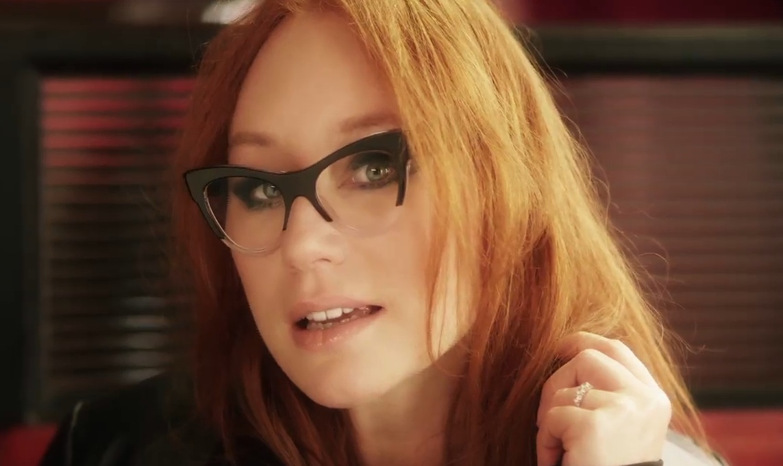 "Tori Amos – ""Trouble's Lament"" Video"