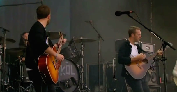 Watch Chris Martin Join Kings Of Leon At One Big Weekend
