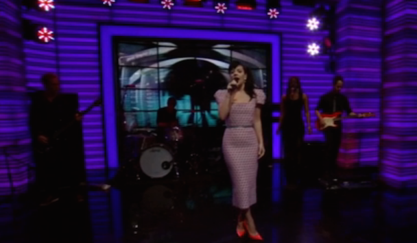 Watch Lily Allen On <em>Live With Kelly And Michael</em>