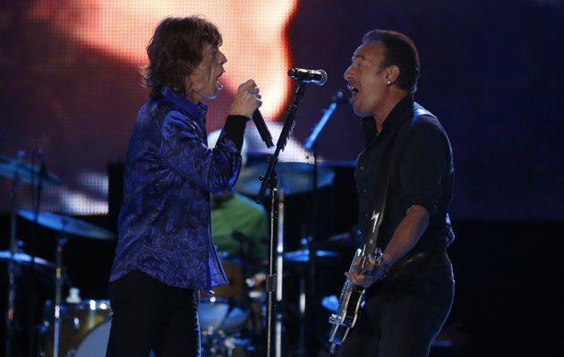 Watch Bruce Springsteen Join The Rolling Stones Onstage In Lisbon
