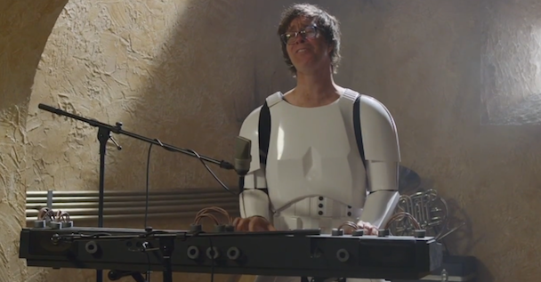 Watch Liz Phair, Ben Folds, Weird Al Audition For Star Wars' Cantina Band