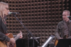 Watch Aimee Mann & Ted Leo Play A Medley Of TV Theme Songs