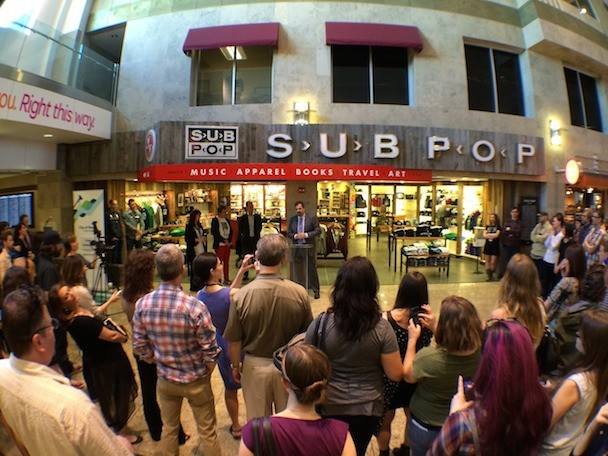 inside the new sub pop record store at seattle tacoma airport stereogum. Black Bedroom Furniture Sets. Home Design Ideas