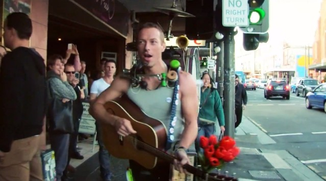 "Coldplay - ""A Sky Full Of Stars"" video"
