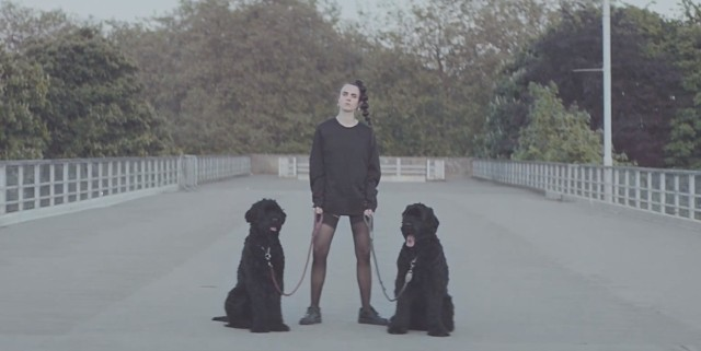 "MØ - ""Walk This Way"" video"