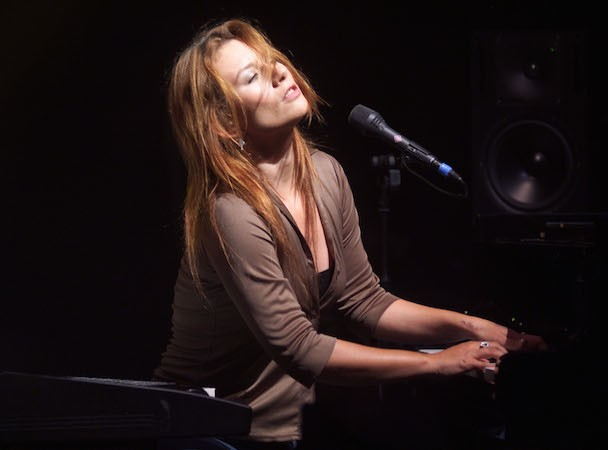 The 10 Best Tori Amos Songs - Stereogum