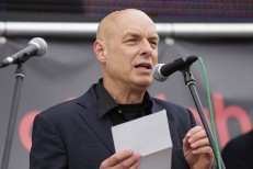 "Brian Eno Blasts America For Supporting ""Ethnic Cleansing"" Of Palestine"