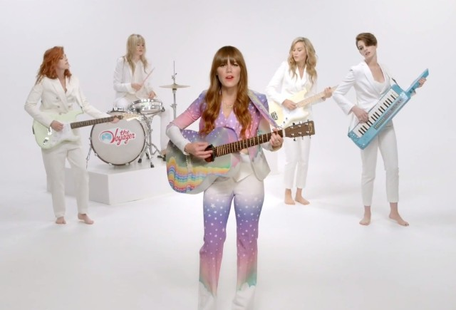 "Jenny Lewis - ""Just One Of The Guys"" video"