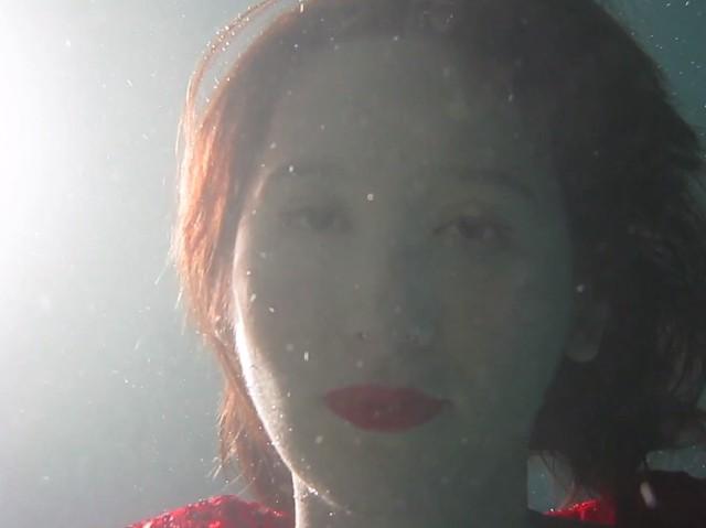 """Karen O - """"Rapt"""" video"""