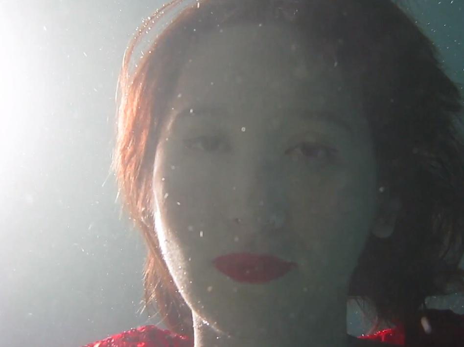 """Karen O – """"Rapt"""" Video"""