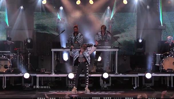 "Röyksopp & Robyn - ""Do It Again"" Kimmel"