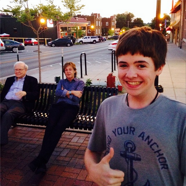 Paul McCartney Warren Buffett selfie