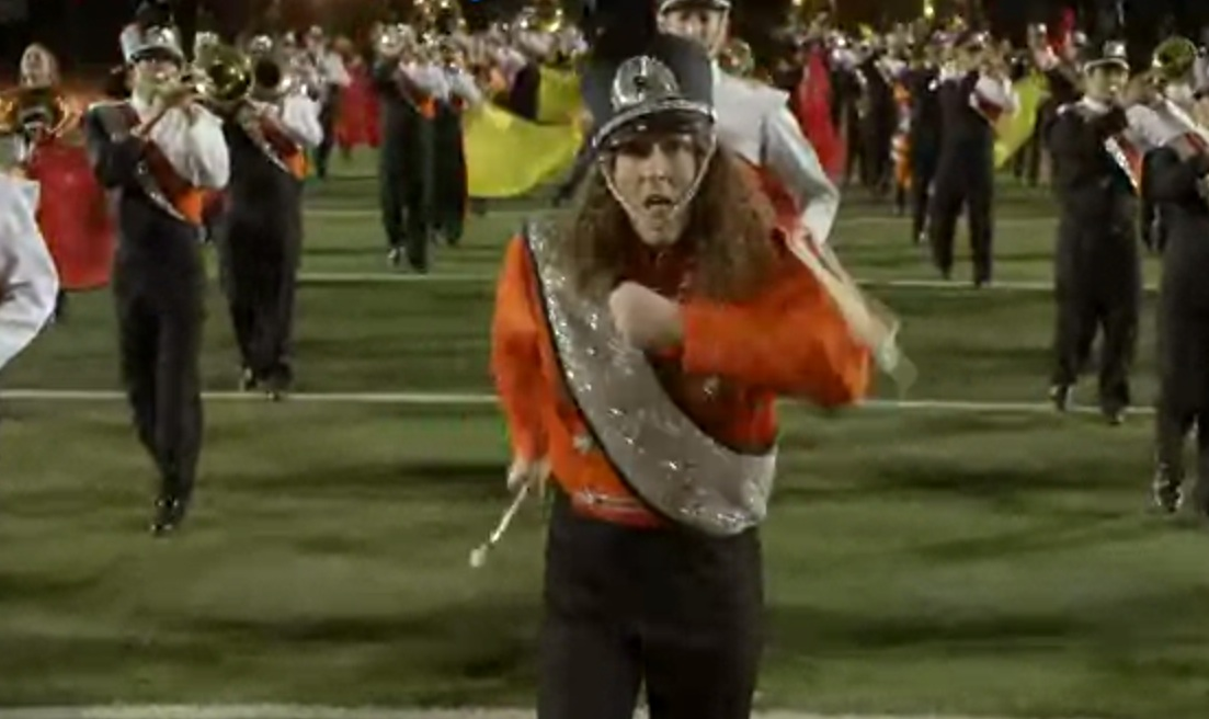 """Weird Al"" Yankovic – ""Sports Song"" Video"