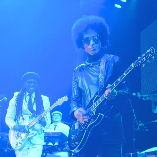 "Prince Covers Bowie's ""Let's Dance"" With Nile Rodgers, Subtweets Lil' Mo At Essence Fest"