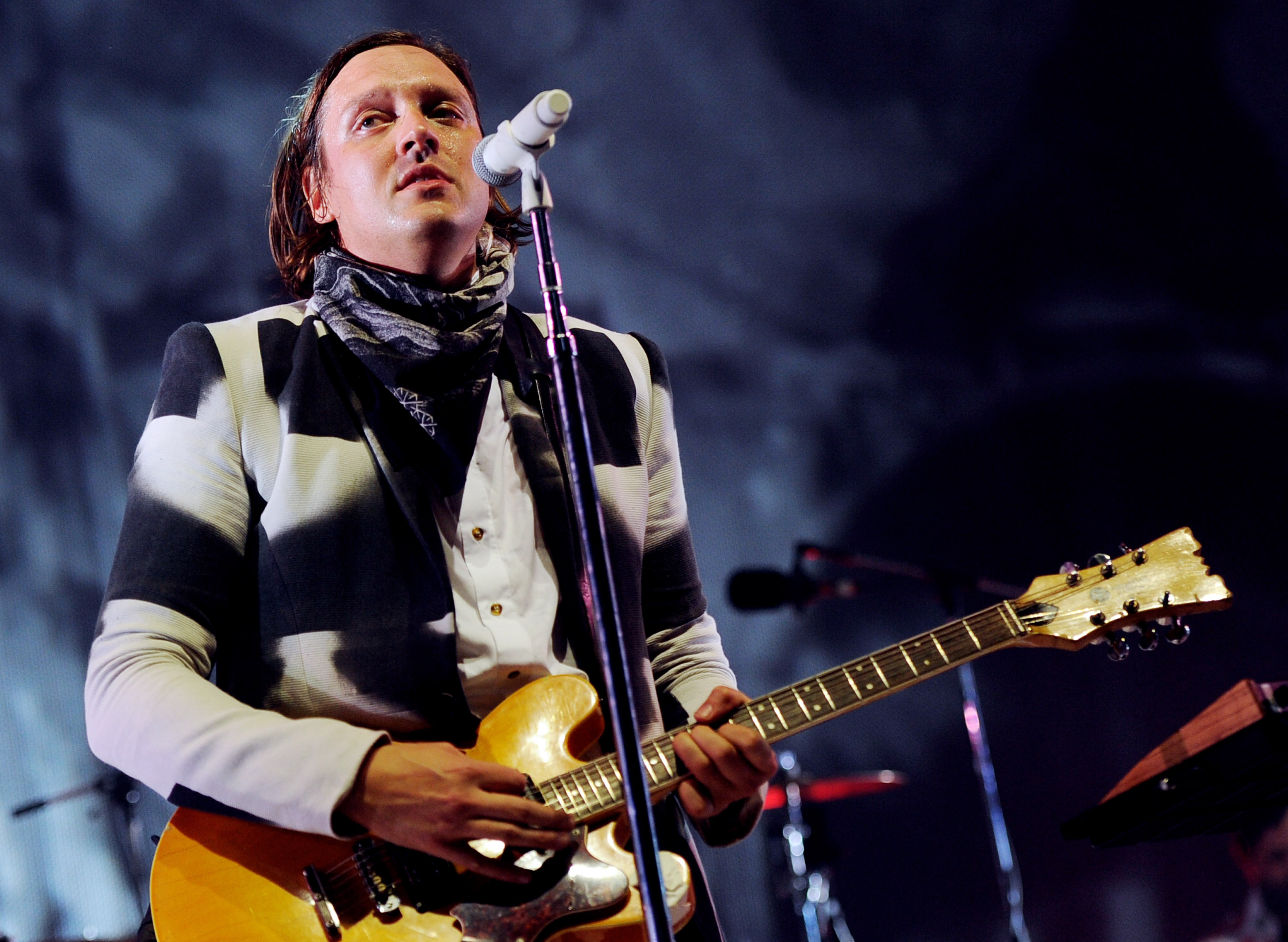 "Watch Arcade Fire Mime Loverboy's ""Working For The Weekend"" & Cover Feist's ""I Feel It All"" In Calgary"