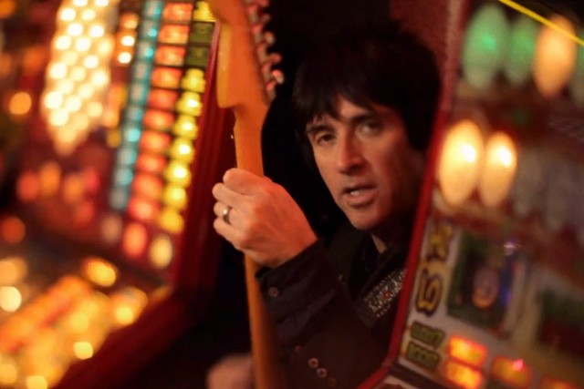 "Johnny Marr - ""Easy Money"" video"