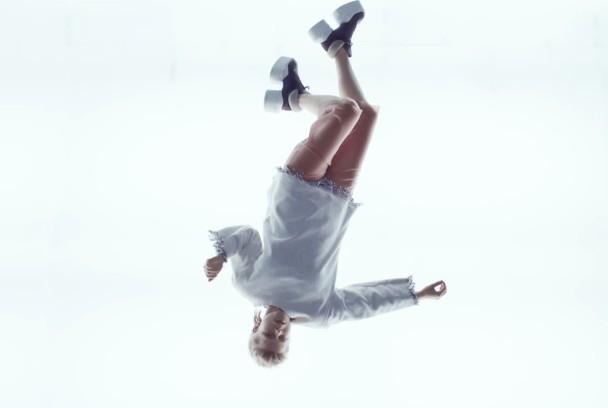 "Röyksopp & Robyn – ""Monument"" Video"