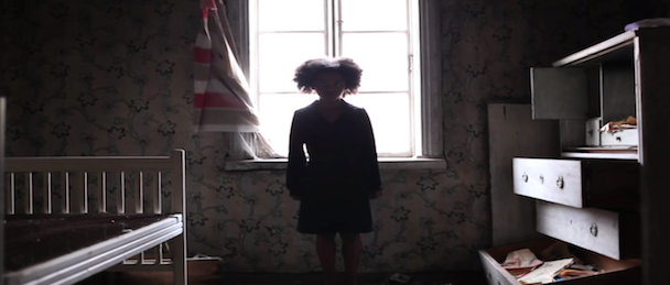 "Mirel Wagner – ""The Dirt"" Video"
