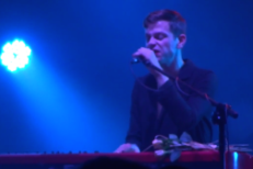 "Watch Perfume Genius Play New Songs ""I Decline"" & ""My Body"" At OFF Festival"