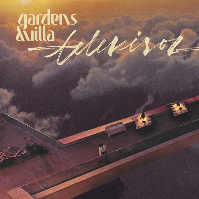 Gardens & Villa - Televisor