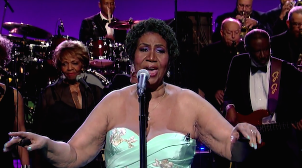 """Watch Aretha Franklin Cover Adele's """"Rolling In The Deep"""" On Letterman"""