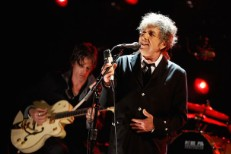 Bob Dylan To Be Honored By Beck, Jack White, The Black Keys, Eddie Vedder At 2015 MusiCares Gala