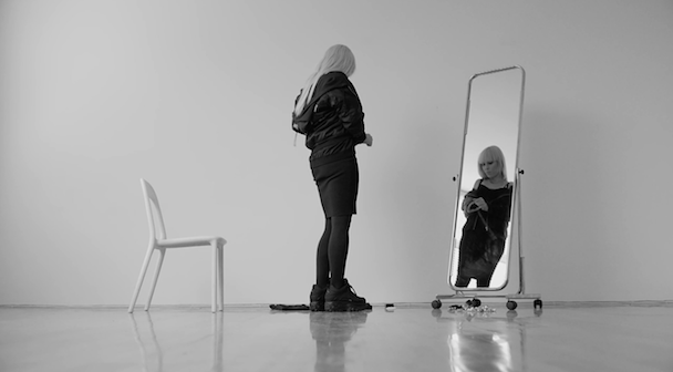 Noomi Rapace aitor throup