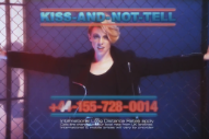 """La Roux – """"Kiss And Not Tell"""" Video"""