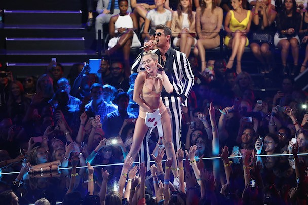 Principal Cancels Homecoming Dance Because Kids Dance Like Miley Cyrus Now
