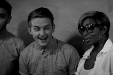 "Mary J. Blige – ""Right Now"" (Feat. Disclosure) Video"