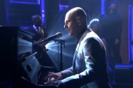 Watch Radiohead&#8217;s Philip Selway Play <em>The Tonight Show</em> With The Dap-Kings
