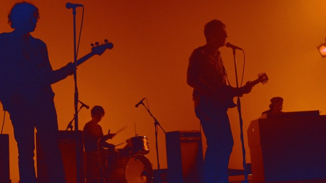 """Noel Gallagher's High Flying Birds - """"In The Heat Of The Moment"""" Video"""