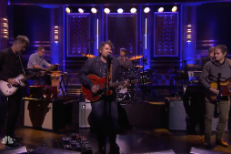 Watch Jeff Tweedy Play Charades With Ewan McGregor, Wilco Perform On <em>The Tonight Show</em>