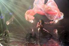 Watch FKA twigs&#8217; Incredible <em>Tonight Show</em> Performance