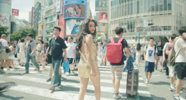 "Charli XCX - ""Boom Clap"" Video (Tokyo Version)"
