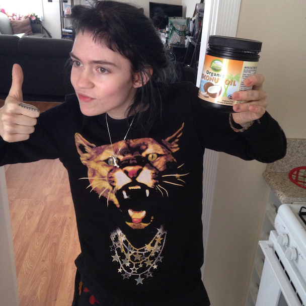 Grimes Shares Her Natural Beauty Secrets On Alexis Krauss' Blog
