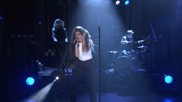 Watch Lorde Talk About The First Time She Met Taylor Swift, Perform &#8220;Yellow Flicker Beat&#8221; On <em>Fallon</em>