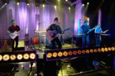 Watch Merchandise Make Their TV Debut On Album De La Semaine
